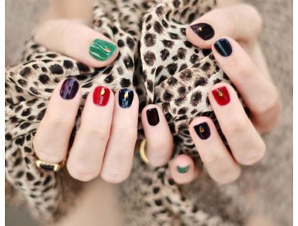 U krizi, jedan biznis ipak cveta: žene sve više ukrašavaju nokte!