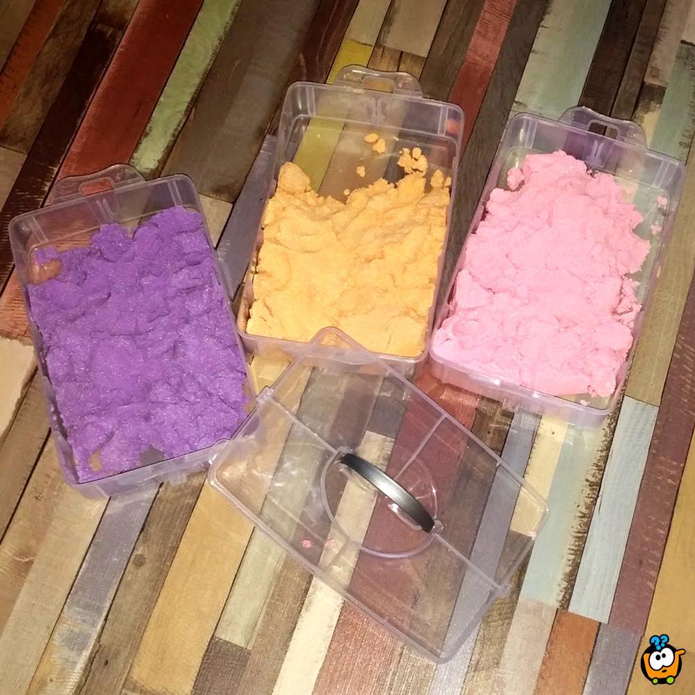 Kinetički pesak u boji za igru - BIG Set od 3000g peska + Modle + Koferče