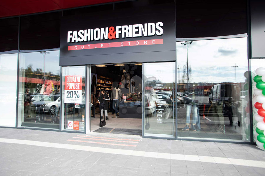 Otvoren prvi beogradski FASHION&FRIENDS outlet u CAPITOL centra Rakovica