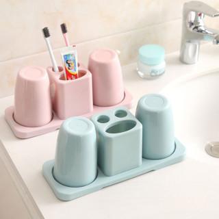 Set čaša sa držacem četkice i paste za zube