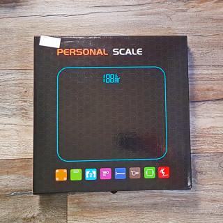 Digitalna vaga za merenje težine - CANDLES