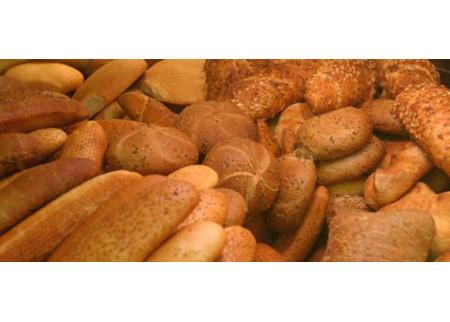 Rad malih pekara na crno obara kvalitet hleba u Srbiji!