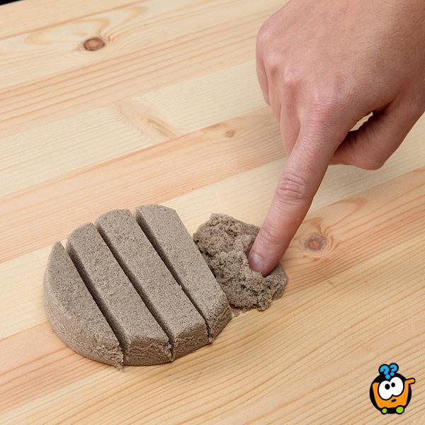 Magični kinetički pesak u boji za igru - Set od 2000g peska + Modle + Koferče