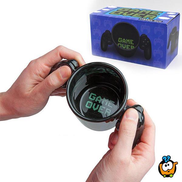 Game Over cup - poklon šolja sa džojstikom za gejmere