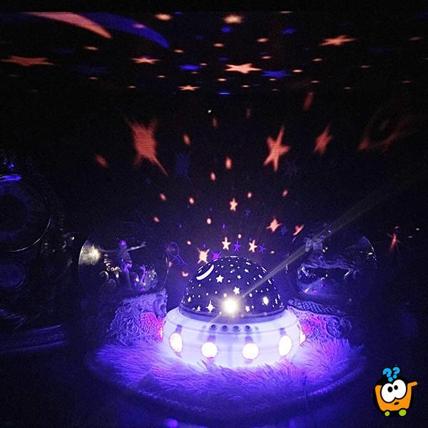 Noćna lampa SVEMIRSKI BROD - Projektor zvezdanog neba koji se rotira