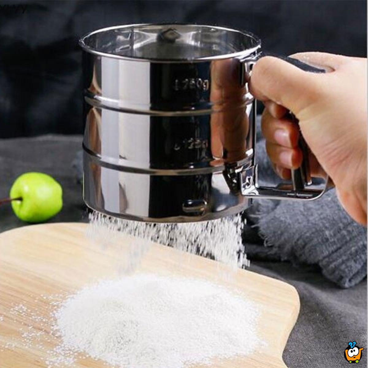 Sito za brašno i šecer u prahu sa ručkom za lako korišćenje